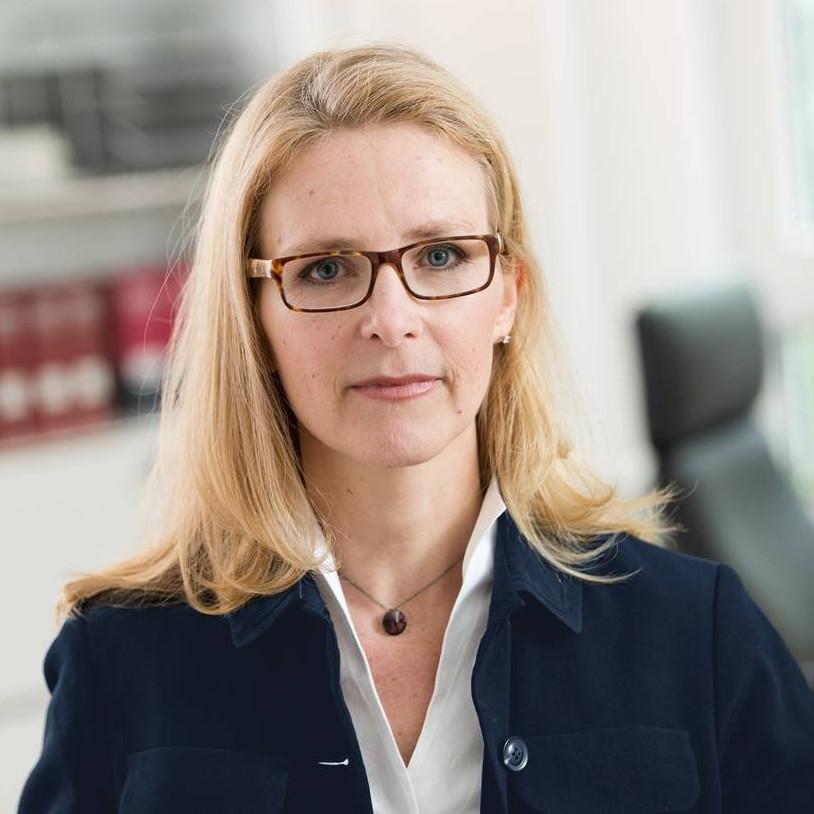 Patientenanwältin und Fachanwältin für Medizinrecht Isabel Bals